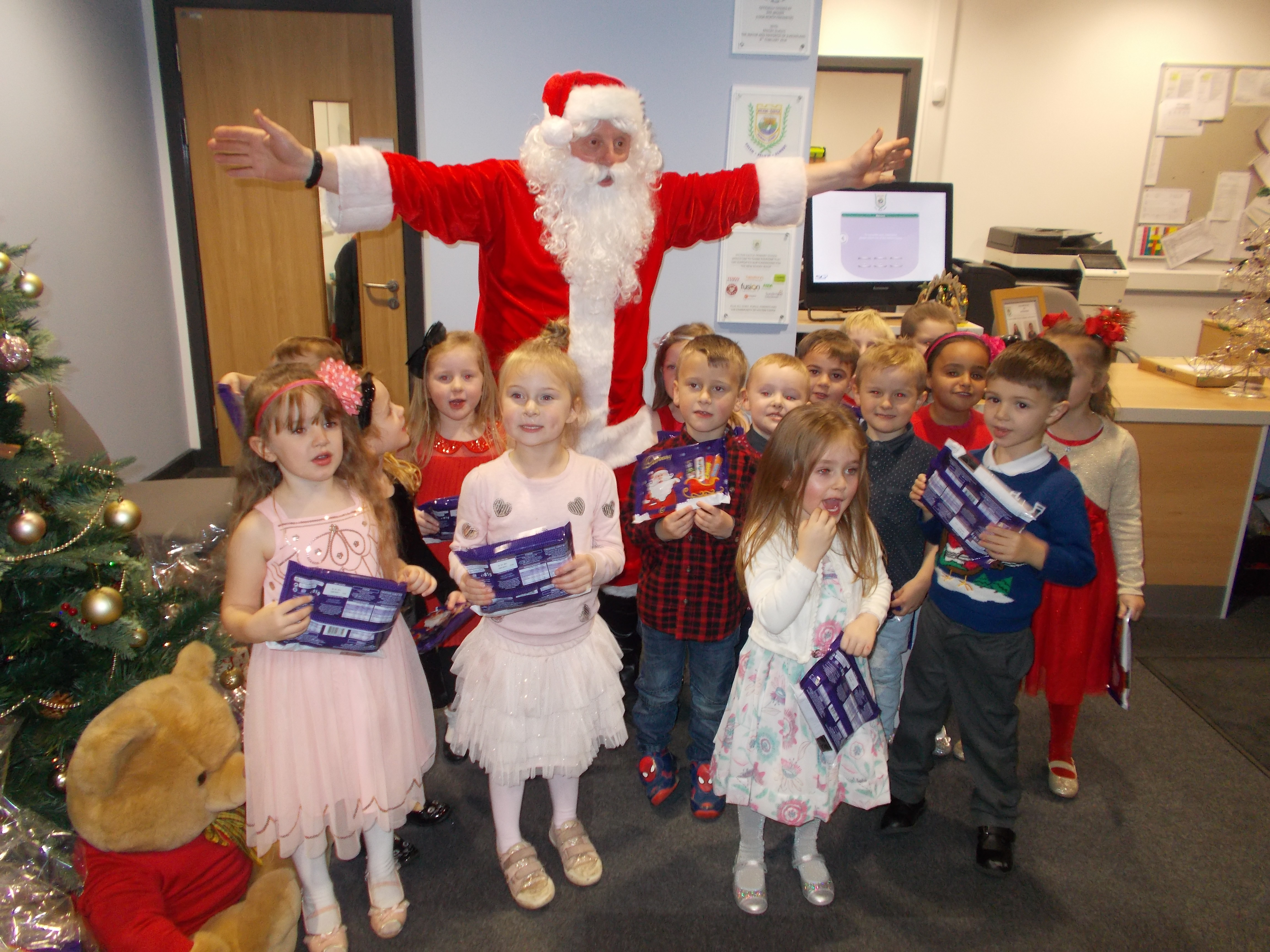 A Christmas Party.Christmas Party 2016 Welcome To Hylton Castle Primary